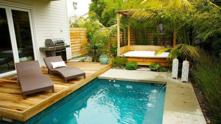 https://ilikeinteriors.nl/wp-content/uploads/2019/06/small-garden-is-tropical-oasis-the-san-diego-union-tribune_swimming-pool-designs_740x416_acf_cropped.jpg
